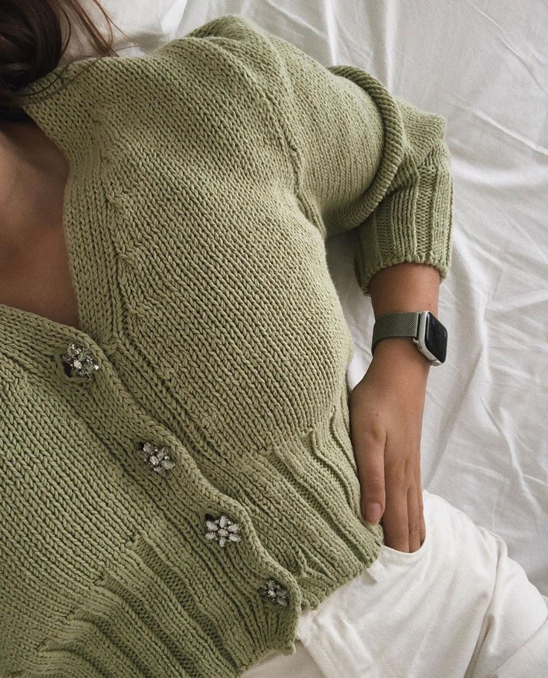 wool blend cardigan with rhinestone buttons de Zara sur zara.outfits