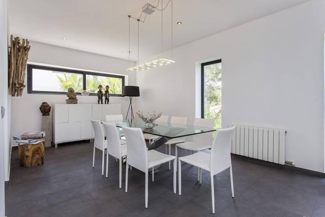 alquilar casa moderna sitges spathios