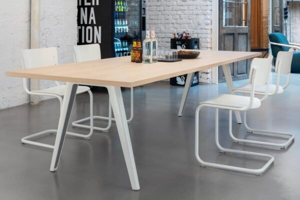 Thonet-Tables-1500-_5