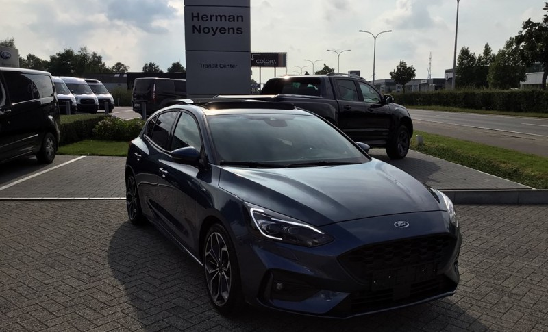 Ford Focus Ecoboost ST-Line Business Class