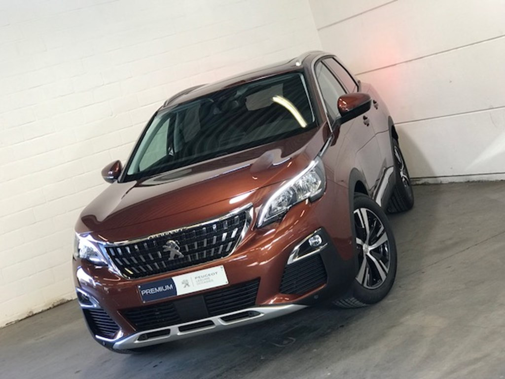 Car in stock Peugeot 3008 GPS | parkeersensor v+a | camera | pano