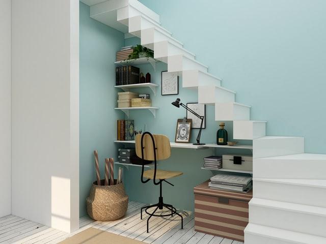 aménagement bureau sous escalier