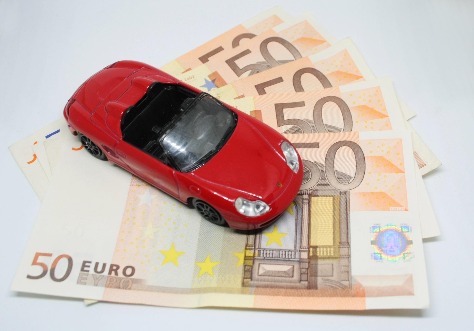 8_moyens_sûrs_d_économiser_de_l_argent_sur_l_assurance_automobile