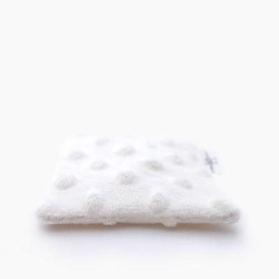 """3X """"Douillettes Blanches"""" reusable makeup remover wipes"""