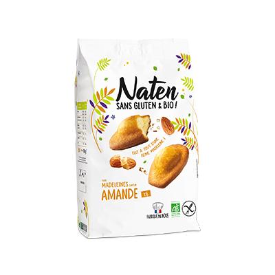 Almond flavour madeleines