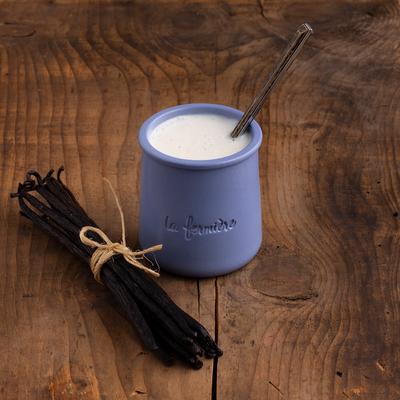 Cup-set Yogurts in clay pot