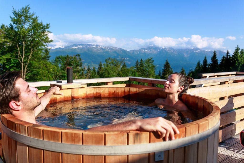 couple prenant un bain