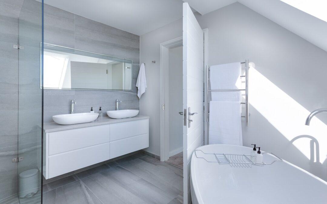5 accessoires de salle de bain que vous devrez avoir ce printemps