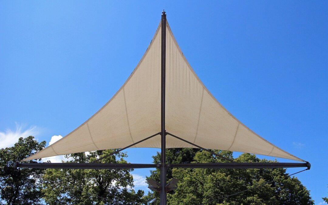 Comment installer une voile d'ombrage dans votre jardin ?