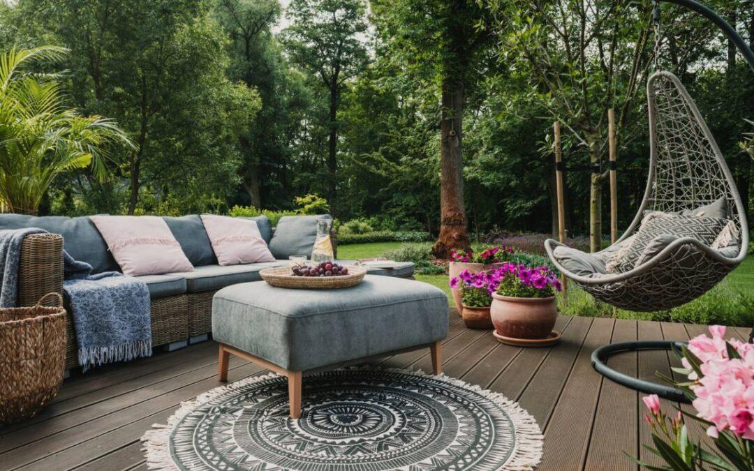 Un jardin chic avec le mobilier qui va bien