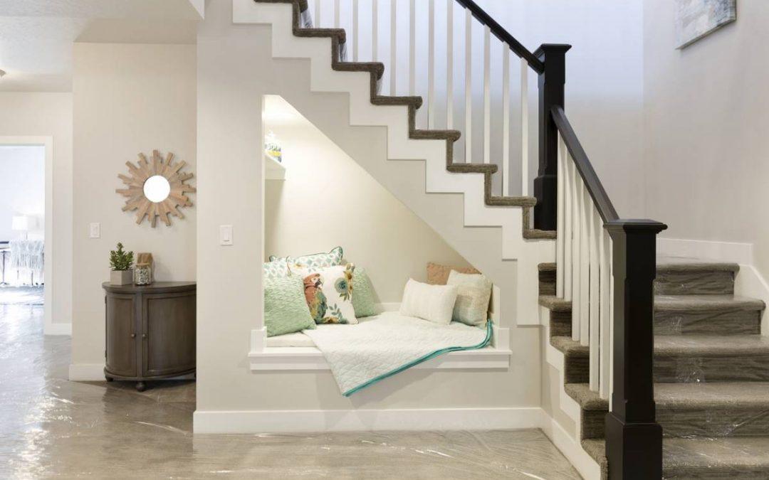 Comment aménager l'espace perdu sous un escalier ?