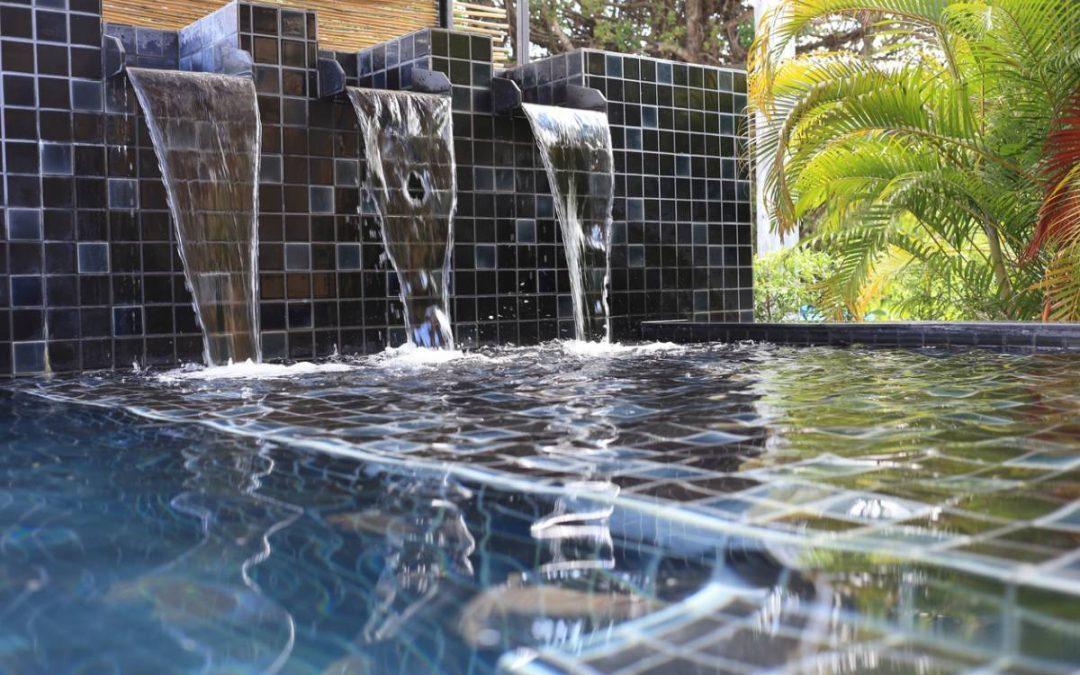Comment choisir un carrelage adapté pour la piscine ?