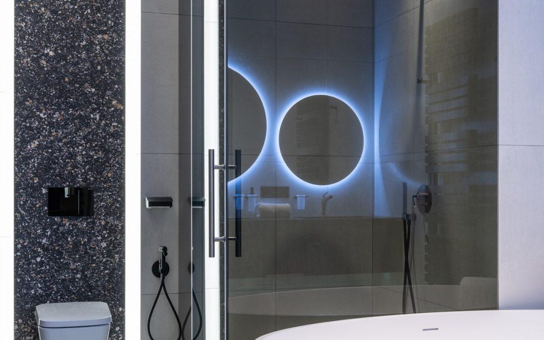 Pourquoi vous devriez nettoyer votre douche avec un spray de cuisson