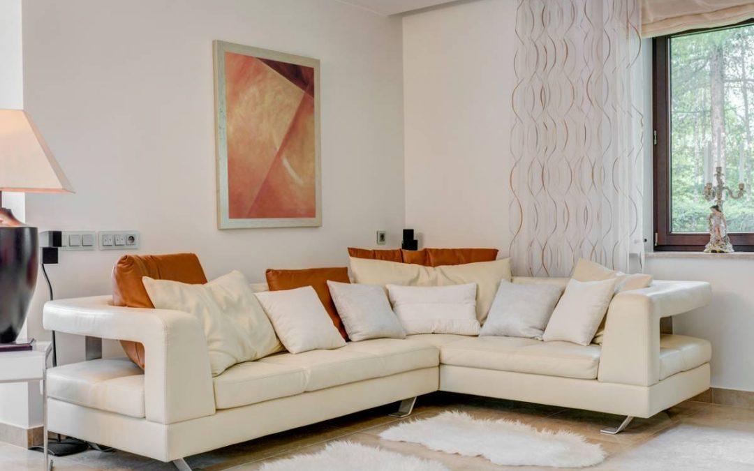 Canapé d'angle : comment adapter l'aménagement intérieur ?