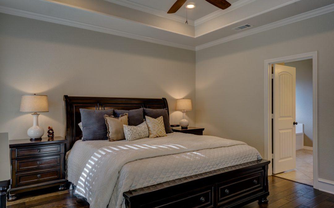 Les erreurs de décoration de la chambre à coucher qui perturbent votre sommeil