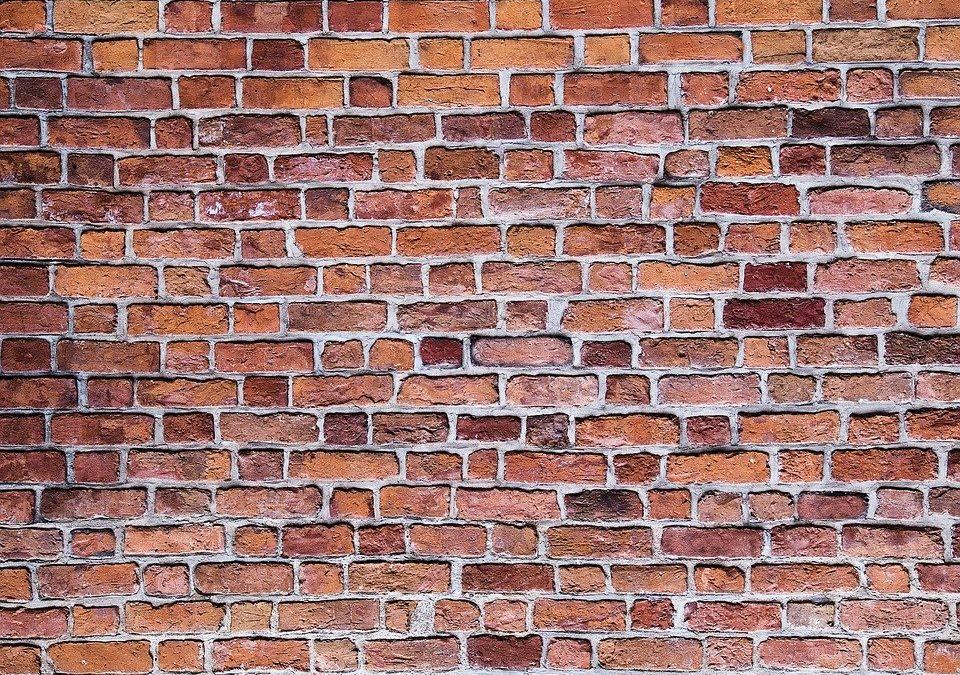 Quel est l'impact environnemental des briques en terre cuite ?