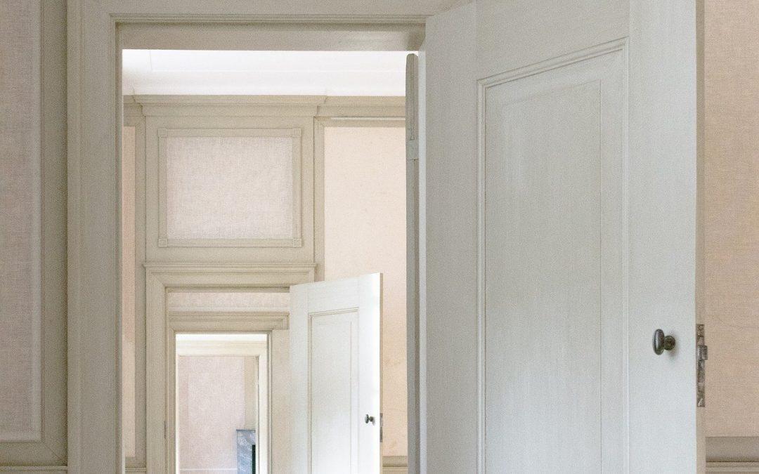 Obtenez un superbe look design en peignant vos portes intérieures !