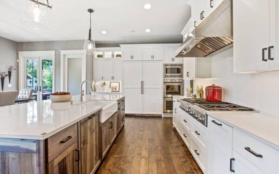 Marche pied, coin repas, entretien : comment rendre fonctionnelle votre cuisine ?