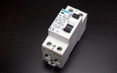 Quels sont les divers types de disjoncteurs?