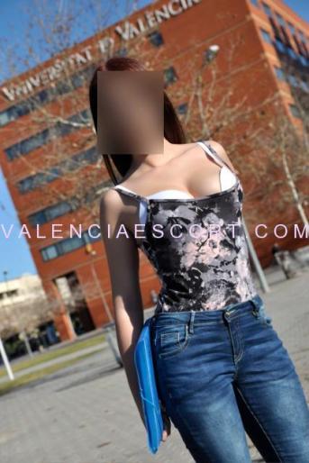 marta jovencita universitaria