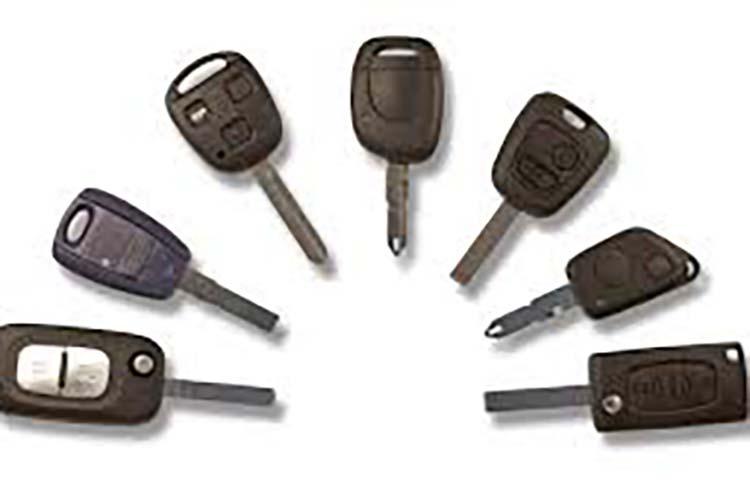 Clé auto ; et si une carte mains libre renforce la sécurité de votre voiture ?