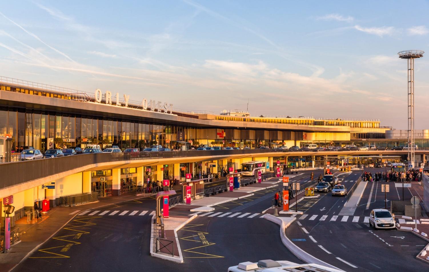 Le fonctionnement du stationnement à l'aéroport d'Orly
