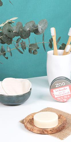 Lait démaquillant solide ZAO a utiliser avec les lingettes démaquillantes réutilisables